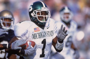 22 Sep 2001:  Charles Rogers #1 of the Michigan State Spartans runs with the ball during the game against the Notre Dame Fighting Irish at the Notre Dame Stadium in South Bend, Indiana. The Spartans defeated the Fighting Irish 17-10.Mandatory Credit: Jona