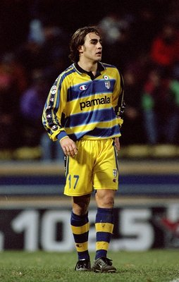 5 Dec 1999:  Fabio Cannavaro of Parma in action during the Serie A match against Torino at the StadioTardini in Parma, Italy.  Parma won the match 4-1. \ Mandatory Credit: Claudio Villa /Allsport