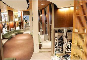 NFL teams don't have locker rooms this nice!