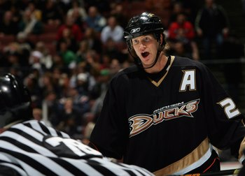 ANAHEIM, CA - DECEMBER 18:  Chris Pronger #25 of the Anaheim Ducks disputes a penalty call to the referee during the second period of their NHL game against the Calgary Flames on December 18, 2006 at the Honda Center in Anaheim, California.  (Photo by Don
