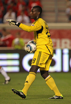 BRIDGEVIEW, IL - AUGUST 18:  Bill Hamid #28 of D.C. United gives instructions to teammates against the Chicago Fire during an MLS match at Toyota Park on August 18, 2011 in Bridgeview, Illinois. The Fire and D.C. United tied 1-1.  (Photo by Jonathan Danie