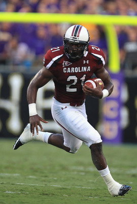 CHARLOTTE, NC - SEPTEMBER 03:  Marcus Lattimore #21 of the South Carolina Gamecocks during their game against the East Carolina Pirates at Bank of America Stadium on September 3, 2011 in Charlotte, North Carolina.  (Photo by Streeter Lecka/Getty Images)