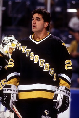 1992:  KEVIN STEVENS OF THE PITTSBURGH PENGUINS DURING WARM-UPS.  Mandatory Credit: ALLSPORT
