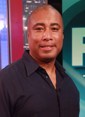 NEW YORK, NY - AUGUST 03:  Bernie Williams visit 'FOX & Friends' at FOX Studios on August 3, 2011 in New York City.  (Photo by Astrid Stawiarz/Getty Images)