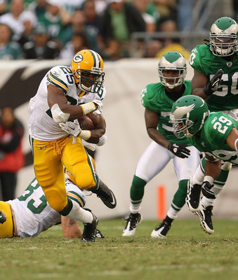PHILADELPHIA - SEPTEMBER 12:  Ryan Grant #25 of the Green Bay Packers rushes during a game against the Philadelphia Eagles at Lincoln Financial Field on September 12, 2010 in Philadelphia, Pennsylvania.  (Photo by Mike Ehrmann/Getty Images)