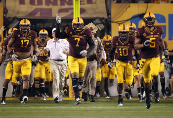 TEMPE, AZ - SEPTEMBER 04:  Vontaze Burfict #7 of the Arizona State Sun Devils runs onto the field before the college football game against the Portland State Vikings at Sun Devil Stadium on September 4, 2010 in Tempe, Arizona.  The Sun Devils defeated the