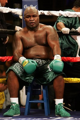 HOLLYWOOD, FL - JANUARY 06:  James 'Lights Out' Toney sits on his stool during his loss to  Samuel 'Nigerian Nightmare' Peter in a WBC heavyweight title eliminator fight at the Hard Rock Hotel and Casino January 6, 2007 in Hollywood, Florida.  (Photo by M