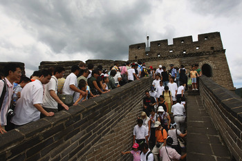 BEIJING - AUGUST 16:  Tourists visit an overcrowded Badaling section of the Great Wall on August 16, 2008 in Beijing, China. The Olympic Games entered its day 8 on August 16.  (Photo by Andrew Wong/Getty Images)
