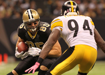 NEW ORLEANS - OCTOBER 31: David Thomas #85 of the New Orleans Saints catches a pass against Lawrence Timmons #94 of the Pittsburgh Steelers at the Louisiana Superdome on October 31, 2010 in New Orleans, Louisiana. (Photo by Matthew Sharpe/Getty Images)