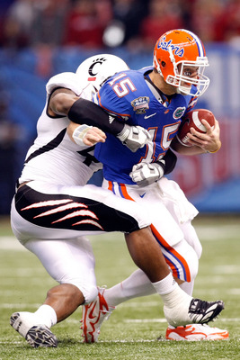 Stewart brings down Tebow in 2010 Sugar Bowl