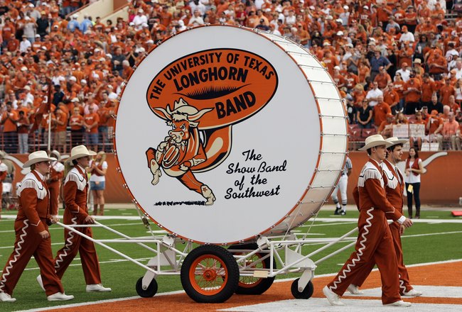 AUSTIN, TX - NOVEMBER 07:  The Texas Longhorn band marches with 'Big Bertha' before a game against the UCF Knights on November 7, 2009 at Darrell K Royal - Texas Memorial Stadium in Austin, Texas.  Texas won 35-3.  (Photo by Brian Bahr/Getty Images)