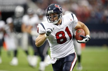 HOUSTON - OCTOBER 04:  Tight end Owen Daniels #81 of the Houston Texans at Reliant Stadium on October 4, 2009 in Houston, Texas.  (Photo by Ronald Martinez/Getty Images)
