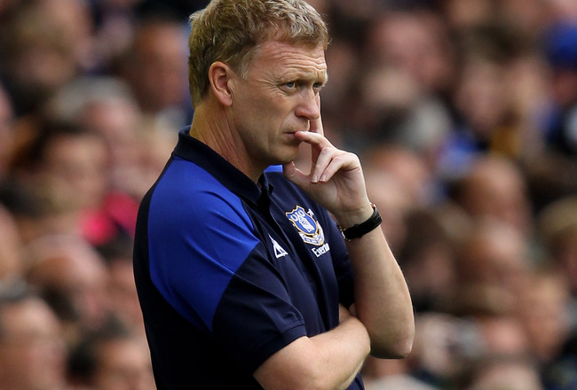 LIVERPOOL, ENGLAND - AUGUST 20:  Everton Manager David Moyes looks on during the Barclays Premier League match between Everton and Queens Park Rangers at Goodison Park on August 20, 2011 in Liverpool, England.  (Photo by Alex Livesey/Getty Images)