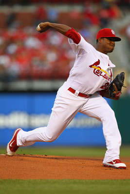 ST. LOUIS, MO - AUGUST 25: Starter Edwin Jackson #22 of the St. Louis Cardinals pitches against the Pittsburgh Pirates at Busch Stadium on August 25, 2011 in St. Louis, Missouri.  The Cardinals beat the Pirates 8-4.  (Photo by Dilip Vishwanat/Getty Images