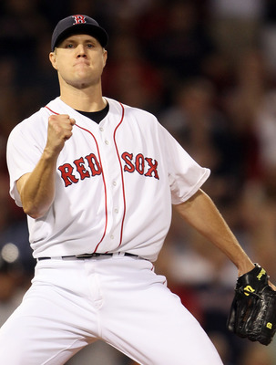 BOSTON, MA - AUGUST 31:  Jonathan Papelbon #58 of the Boston Red Sox celebrates after he struck out Brett Gardner of the New York Yankees to end the game on August 31, 2011 at Fenway Park in Boston, Massachusetts. The Boston Red Sox defeated the New York