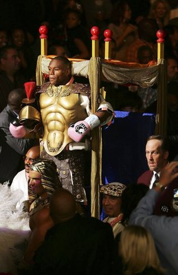 LAS VEGAS - NOVEMBER 04:  Floyd Mayweather is carried to the ring and dressed in a roman costume before his WBC Welterweight Championship fight against Carlos Baldomir of Argentina WBC Welterweight Championship fight at the Mandalay Bay Events Center Nove