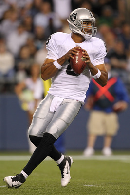 SEATTLE, WA - SEPTEMBER 02:  Quarterback Jason Campbell #8 of the Oakland Raiders looks downfield against the Seattle Seahawks at CenturyLink Field on September 2, 2011 in Seattle, Washington. (Photo by Otto Greule Jr/Getty Images)