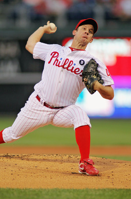 PHILADELPHIA , PA - SEPTEMBER 07:  Roy Oswalt #44 of the Philadelphia Phillies pitches against the Atlanta Braves at Citizens Bank Park on September 7, 2011 in Philadelphia, Pennsylvania.  (Photo by Len Redkoles/Getty Images)