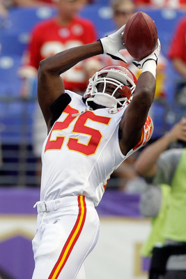 BALTIMORE, MD - AUGUST 19:  Jamaal Charles #25 of the Kansas City Chiefs catches a pass  prior to the start of a  preseason game against the Baltimore Ravens at M&T Bank Stadium on August 19, 2011 in Baltimore, Maryland. The Ravens won 31-13. (Photo by Ro