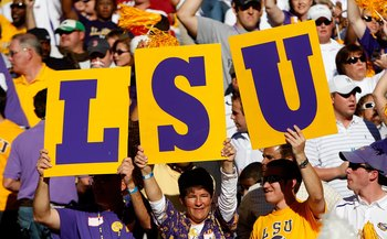 TUSCALOOSA, AL - NOVEMBER 07:  Fans of the Louisiana State University Tigers hold up a sign against the Alabama Crimson Tide at Bryant-Denny Stadium on November 7, 2009 in Tuscaloosa, Alabama.  (Photo by Kevin C. Cox/Getty Images)