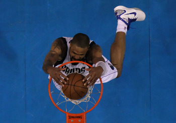 DALLAS, TX - JUNE 09:  Tyson Chandler #6 of the Dallas Mavericks dunks against the Miami Heat in Game Five of the 2011 NBA Finals at American Airlines Center on June 9, 2011 in Dallas, Texas.  NOTE TO USER: User expressly acknowledges and agrees that, by