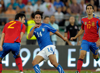 BARI, ITALY - AUGUST 10:  Alberto Aquilani of Italy during the international friendly match between Italy and Spain at Stadio San Nicola on August 10, 2011 in Bari, Italy.  (Photo by Claudio Villa/Getty Images)