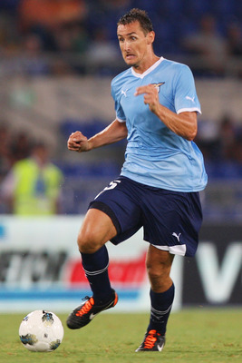 ROME, ITALY - AUGUST 18:  Miroslav Klose of SS Lazio in action during the UEFA Europa League playoff first leg match between S.S. Lazio and FK Rabotnicki at Olimpico stadium on August 18, 2011 in Rome, Italy.  (Photo by Paolo Bruno/Getty Images)