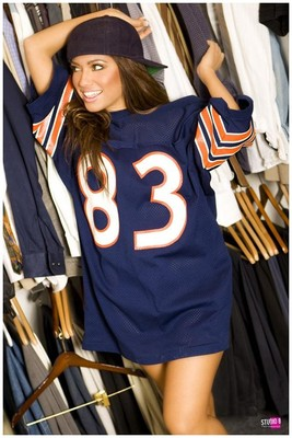 Jessica-burciaga-chicago-bears-jersey_display_image