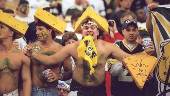 Nfl_g_packers_fans1_576_display_image