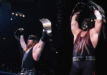 The-undertaker-and-kane3_display_image