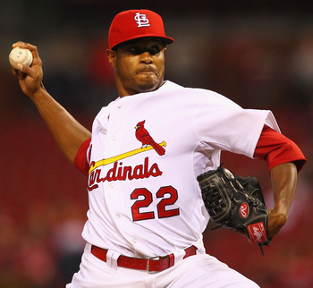 ST. LOUIS, MO - SEPTEMBER 9:  Starter Edwin Jackson #22 of the St. Louis Cardinals pitches against the Atlanta Braves at Busch Stadium on September 9, 2011 in St. Louis, Missouri.  (Photo by Dilip Vishwanat/Getty Images)