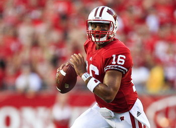 Russell-wilson-wisconsin-badgers_display_image_display_image