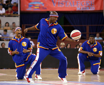 MADRID, SPAIN - JUNE 10:  Harlem Globetrotters players warm up for their match against the New York Nationals on June 10, 2005 at the Vistalegre Stadium in Madrid, Spain.  (Photo by Denis Doyle/Getty Images)