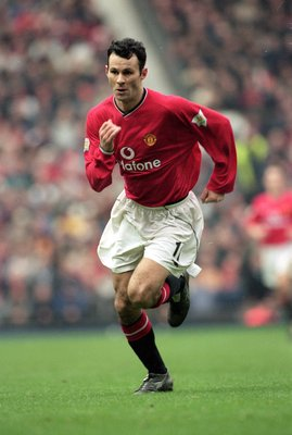17 Dec 2000:  Ryan Giggs of Manchester United chases a loose ball during the FA Carling Premiership match against Liverpool played at Old Trafford, in Manchester, England. Liverpool won the match 1-0. \ Mandatory Credit: Stu Forster /Allsport