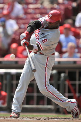 CINCINNATI, OH - SEPTEMBER 1:  Ryan Howard #6 of the Philadelphia Phillies bats against the Cincinnati Reds at Great American Ball Park on September 1, 2011 in Cincinnati, Ohio. Howard had a home run in a 6-4 Phillies win over the Reds.  (Photo by Jamie S