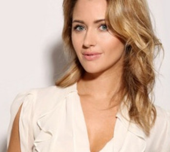 Hayleymcqueen1_display_image