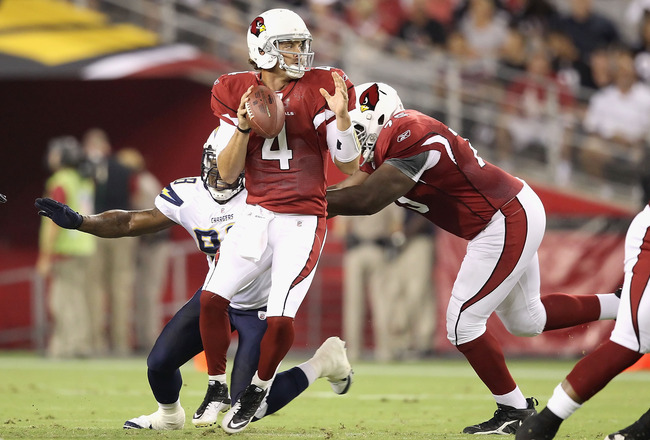 GLENDALE, AZ - AUGUST 27:  Quarterback Kevin Kolb #4 of the Arizona Cardinals drops back to pass during the preseason NFL game against the San Diego Chargers at the University of Phoenix Stadium on August 27, 2011 in Glendale, Arizona.  The Chargers defea