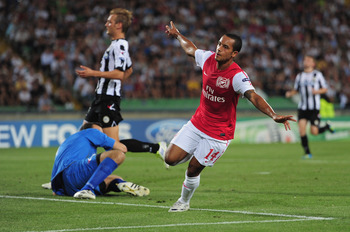 UDINE, ITALY - AUGUST 24:  Theo Walcott of Arsenal celebrates his goal during the UEFA Champions League play-off second leg match between Udinese Calcio and Arsenal FC at the Stadio Friuli on August 24, 2011 in Udine, Italy.  (Photo by Jamie McDonald/Gett