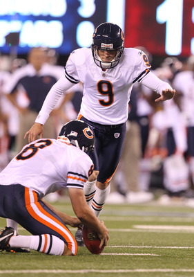 EAST RUTHERFORD, NJ - AUGUST 22:  Robbie Gould #9 of the Chicago Bears in action against the New York Giants during their pre season game on August 22, 2011 at The New Meadowlands Stadium in East Rutherford, New Jersey.  (Photo by Al Bello/Getty Images)