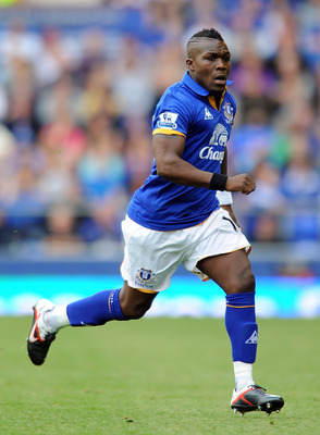 LIVERPOOL, ENGLAND - SEPTEMBER 10:  Royston Drenthe of Everton in action during the Barclays Premier League match between Everton and Aston Villa at Goodison Park on September 10, 2011 in Liverpool, England.  (Photo by Chris Brunskill/Getty Images)