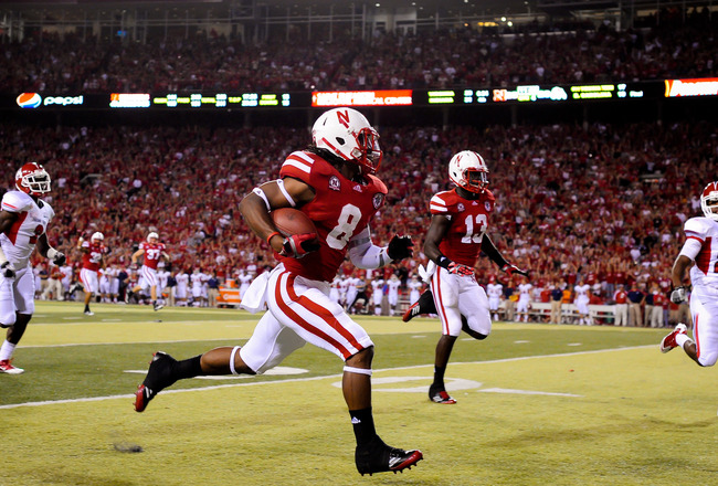 LINCOLN, NE - SEPTEMBER 10: Ameer Abdullah #8 of the Nebraska Cornhuskers runs a kickoff back for a second half touchdown during their game against the Fresno State Bulldogs at Memorial Stadium September 10, 2011 in Lincoln, Nebraska. Nebraska won 42-29.(