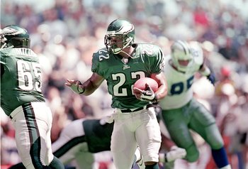 3 Sep 2000:  Duce Staley #22 of the Philadelphia Eagles runs with the ball during the game against the Dallas Cowboys at the Texas Stadium in Irving, Texas. The Eagles defeated the Cowboys 41-14.Mandatory Credit: Ronald Martinez  /Allsport