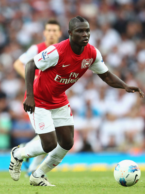 LONDON, ENGLAND - SEPTEMBER 10:  Emmanuel Frimpong of Arsenal in action during the Barclays Premier League match between Arsenal and Swansea City at Emirates Stadium on September 10, 2011 in London, England.  (Photo by Clive Mason/Getty Images)