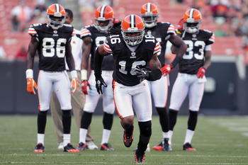CLEVELAND, OH - AUGUST 19:  Wide receiver Josh Cribbs #16 of the Cleveland Browns warms up prior to the game between the Cleveland Browns and the Detroit Lions at Cleveland Browns Stadium on August 19, 2011 in Cleveland, Ohio. (Photo by Jason Miller/Getty