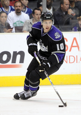 LOS ANGELES, CA - OCTOBER 15:  Brayden Schenn #10 of the Los Angeles Kings looks to pass during the game against the Vancouver Canucks at the Staples Center on October 15, 2010 in Los Angeles, California.  (Photo by Harry How/Getty Images)