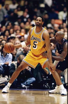 7 Feb 1999:  Robert Horry #5 of the Los Angeles Lakers dribbles during the game against the Utah Jazz at the Great Western Forum in Inglewood, California. The Jazz defeated the Lakers 100-91Mandatory Credit: Todd Warshaw  /Allsport