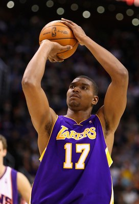PHOENIX - DECEMBER 28:  Andrew Bynum #17 of the Los Angeles Lakers shoots a free throw shot during the NBA game against the Phoenix Suns at US Airways Center on December 28, 2009 in Phoenix, Arizona.  The Suns defeated the Lakers 118-103. NOTE TO USER: Us