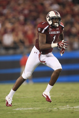 CHARLOTTE, NC - SEPTEMBER 03:  Alshon Jeffery #1 of the South Carolina Gamecocks during their game against the East Carolina Pirates at Bank of America Stadium on September 3, 2011 in Charlotte, North Carolina.  (Photo by Streeter Lecka/Getty Images)