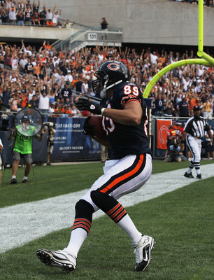 CHICAGO, IL - SEPTEMBER 11: Matt Spaeth #89 of the Chicago Bears catches a touchdown pass against the Atlanta Falcons at Soldier Field on September 11, 2011 in Chicago, Illinois. The Bears defeated the Falcons 30-12. (Photo by Jonathan Daniel/Getty Images
