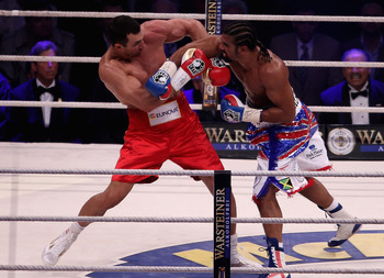 HAMBURG, GERMANY - JULY 02:  Wladimir Klitschko in action with David Haye (R) during their World Heavyweight unification title fight at the Imtech Arena on July 2, 2011 in Hamburg, Germany.  (Photo by Scott Heavey/Getty Images)
